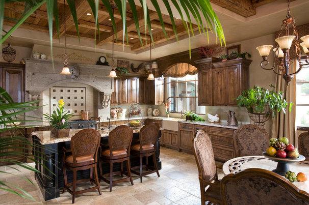 Mediterranean Kitchen by Beringer Fine Homes