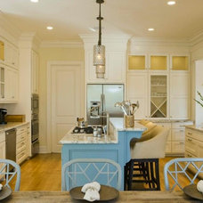 Traditional Kitchen by Bill Huey + Associates
