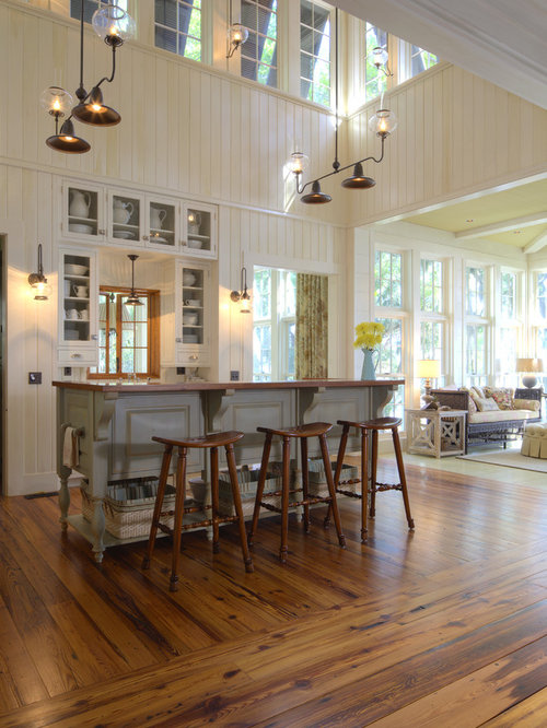 Cuisine ouverte avec un placard porte vitr e photos et for Cuisine ouverte vitree