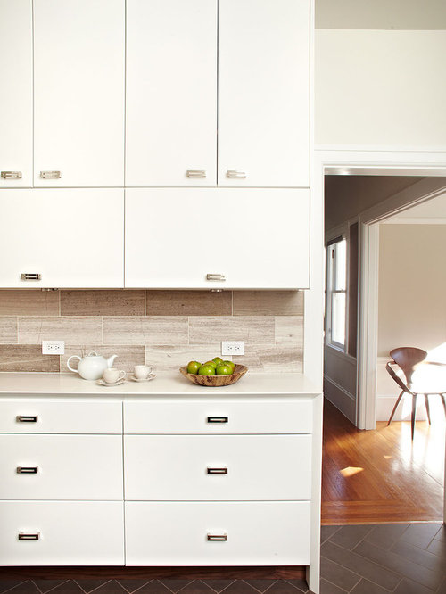 Small Contemporary Enclosed Kitchen Designs   Example Of A Small Trendy  L Shaped Ceramic Floor