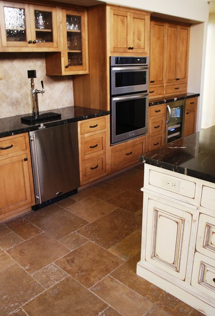 Traditional Kitchen by Cut Designs