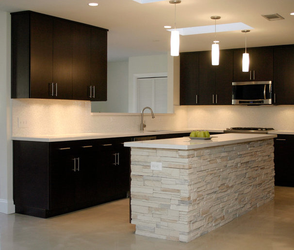 Modern Kitchen by Watermark & Company