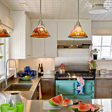 Beach Style Kitchen by Whitten Architects