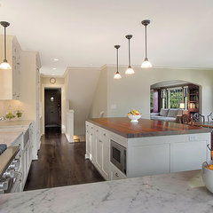 traditional kitchen by Logan's Hammer Building & Renovation