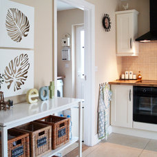 traditional kitchen by Wioleta Kelly