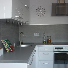 Modern Kitchen by Home Glamour Now