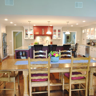 Transitional kitchen designs - Inspiration for a transitional kitchen remodel in Philadelphia