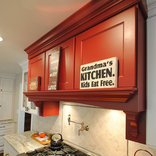 Transitional kitchen pictures - Example of a transitional kitchen design in Philadelphia