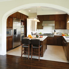 Traditional Kitchen by Shigetomi Pratt Architects, Inc.