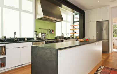 Sexy Color Touches for Neutral Kitchens