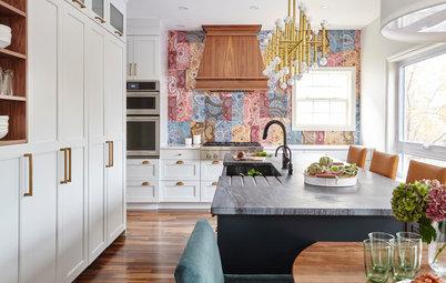 Paisley Tile Backsplash Takes This Kitchen to a Whole New Level