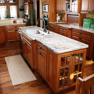 Kitchen with Warmth and Style