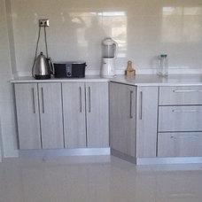 Contemporary Kitchen by Robinson Reyes Industrial Designer