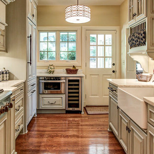 Kitchen - traditional kitchen idea in Louisville with a farmhouse sink