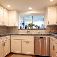 Traditional Kitchen by Trinity Renovation, Inc.