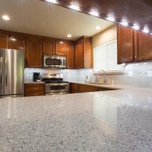 Toasted Almond Quartz Countertop Houzz - Daltile oakdale