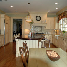 Kitchen by Kitchen Designs by Ken Kelly, Inc. (CKD, CBD, CR)
