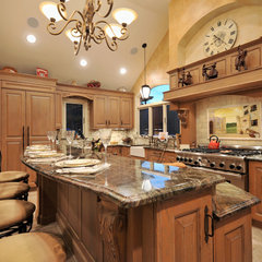 mediterranean kitchen by Kitchen Designs by Ken Kelly, Inc. (CKD, CBD, CR)