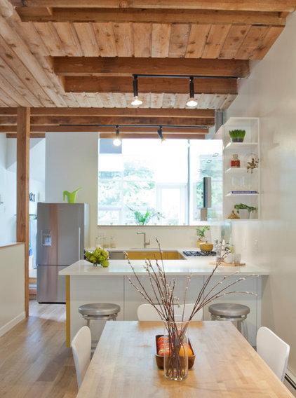 Rustic Kitchen by Oakwood Projects Ltd.