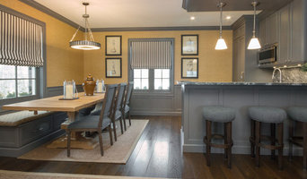 Kitchenette and Dining Area with Built-in Banquette