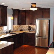 Traditional Kitchen by All-American Kitchens Inc