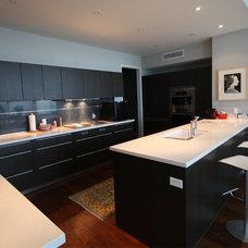 Modern Kitchen by Alpha Granite