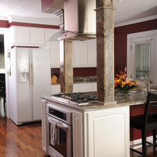 Kitchen by Avanti Marble & Granite Inc.