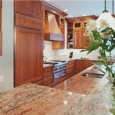 Traditional Kitchen by Kitchens & Baths Unlimited