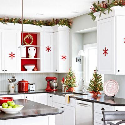 Классический Кухня by Lowe's Home Improvement
