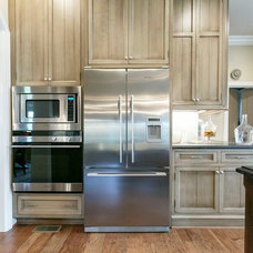 Traditional Kitchen Cabinetry by Barber Cabinet Co.