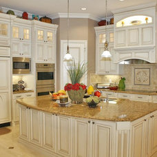 Traditional Kitchen by RL Pruitt Construction, Inc.