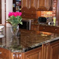 Traditional Kitchen by Belmarmi Inc.