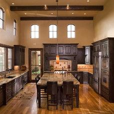 Traditional Kitchen by Brannen Design & Construction