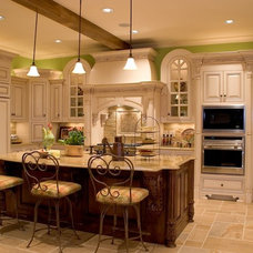 Traditional Kitchen by Hughes Edwards Builders