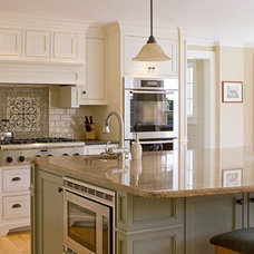 Traditional Kitchen by United Cabinets LLC