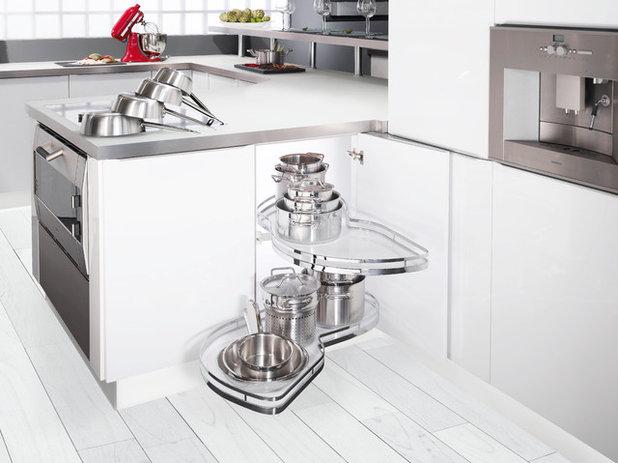 Modern Kitchen by Clever Storage by Kesseböhmer