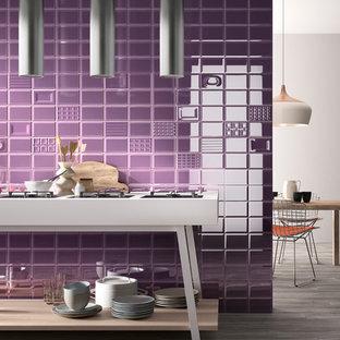 Diseño de cocina moderna con suelo de baldosas de porcelana