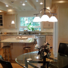 Traditional Kitchen by D.R. Domenichini Construction
