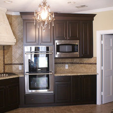 Contemporary Kitchen by DATE Construction, Inc