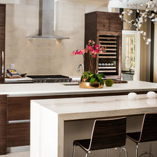 Contemporary Kitchen by Diamond Homes, Inc.