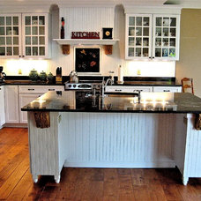 Traditional Kitchen by DNW Design