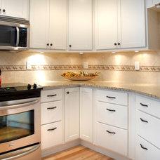 Modern Kitchen by DreamMaker Bath & Kitchen of Greater Grand Rapids