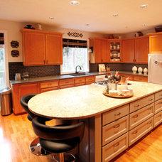 Traditional Kitchen by DSC DesignWorks