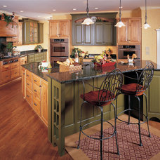 Traditional Kitchen by Duke Homes, Inc.