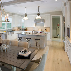 Rustic Kitchen by East End Country Kitchens