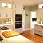 White Kitchen Farmhouse Kitchen New York By Villa