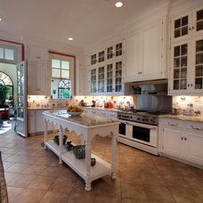 Traditional Kitchen by Enqvist Homes