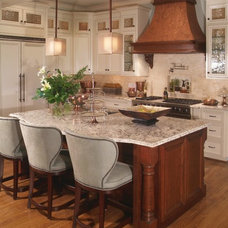 Traditional Kitchen by Eudy's Cabinet Mfg., Inc.