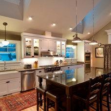 Traditional Kitchen by Freyenhagen Construction