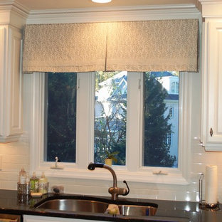Traditional kitchen photos - Example of a classic kitchen design in Raleigh